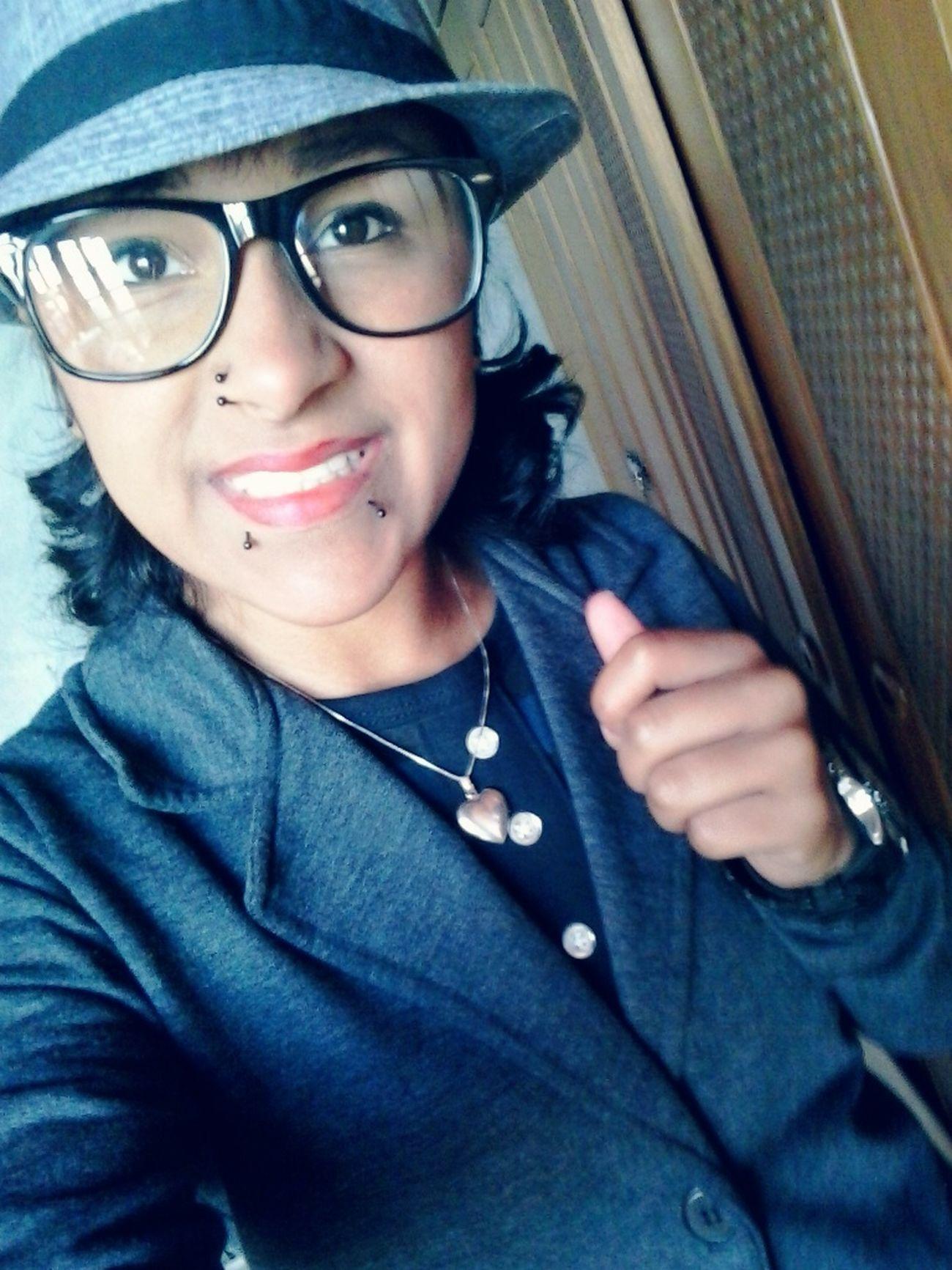 Meu sorriso continua sempre pq eu sou feliz... First Eyeem Photo