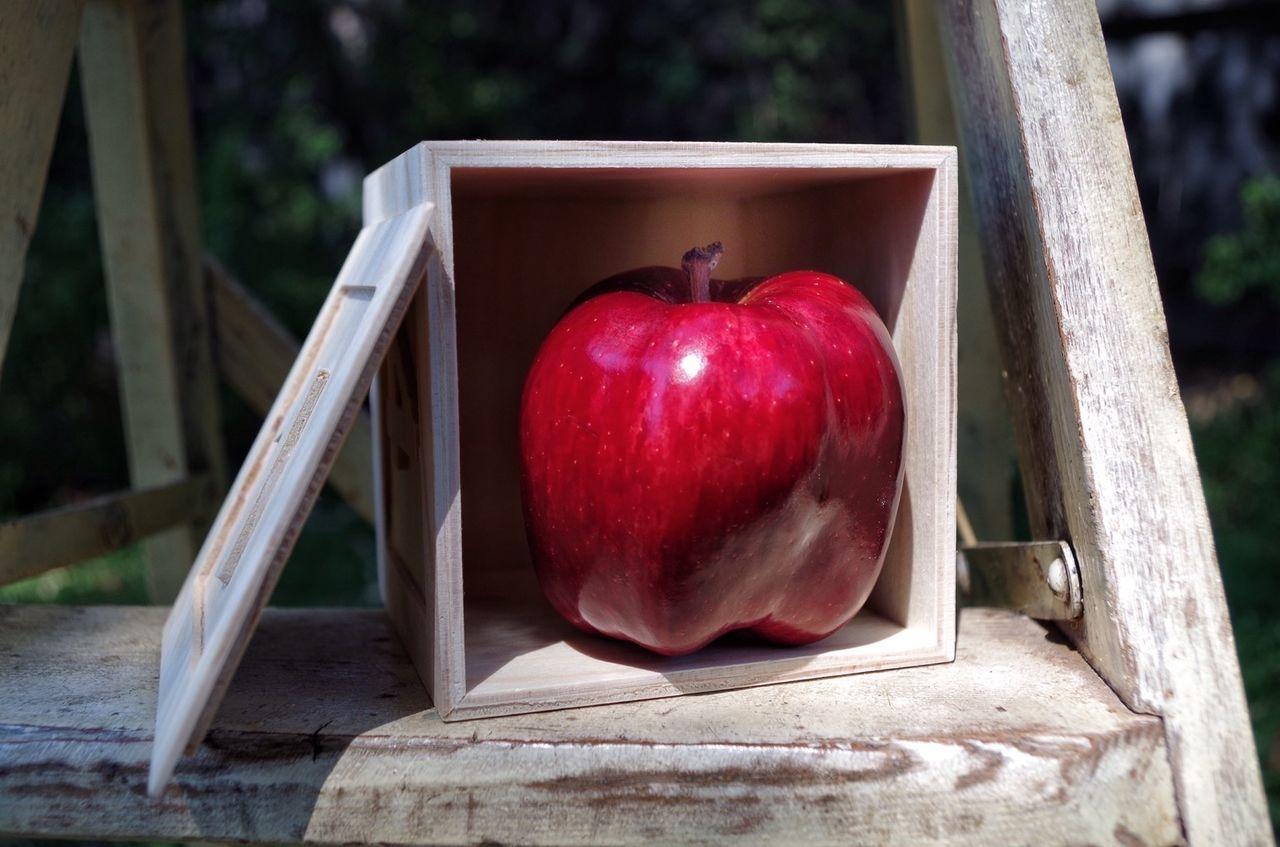 Beautiful stock photos of box, Apple, Box, Close-Up, Day