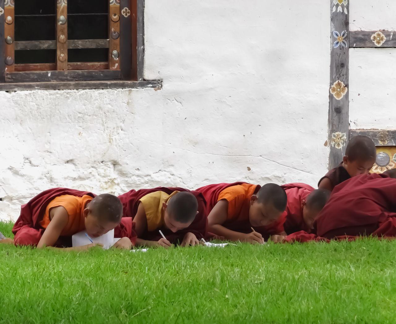 Bhuddhism Bhuddism Bhuddist Bhuddist Temple Bhuddisttemple Bhudha Bhudist Bhutan Bhutanese Boys BoysBoysBoys Day Monk  Monks Novic Novice Novice Monk Novice Monks Novice Photography Novicephotograph Novicephotographer Novices Novices... Outdoors People