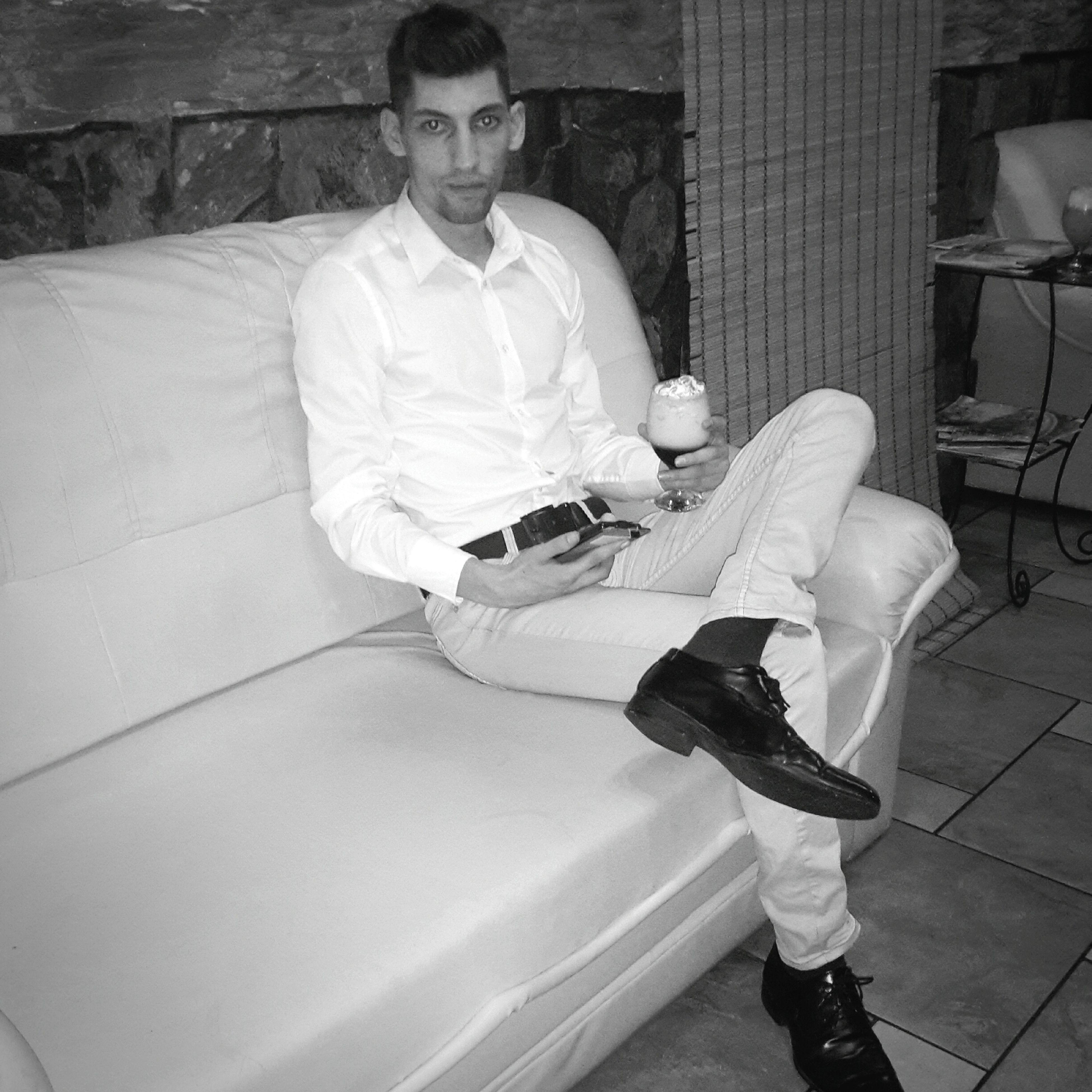 Fourseasonshotel Business Man Working Relaxing BMW M6 Saxolondon Hugo Boss Pierrecardin