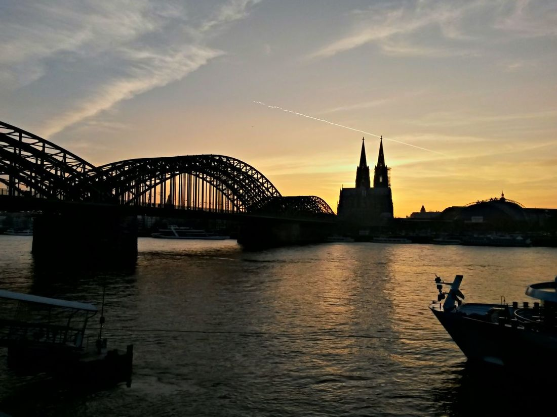 Sunset in Cologne and the Dome. Cologne Rhinepark