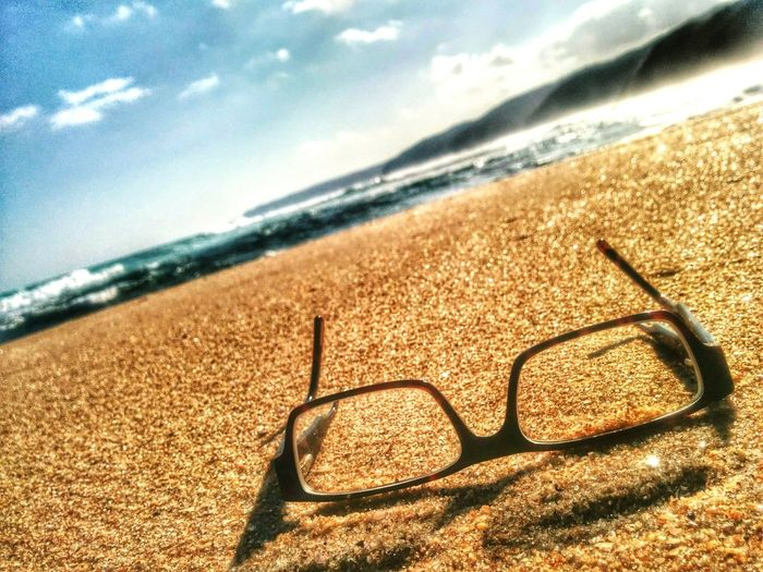 Short-sighted. Glasseswearingtypeofguy Johannasbeach EasterWeekend Australia ThrowbackWeekend Beachphotography Sea Sand