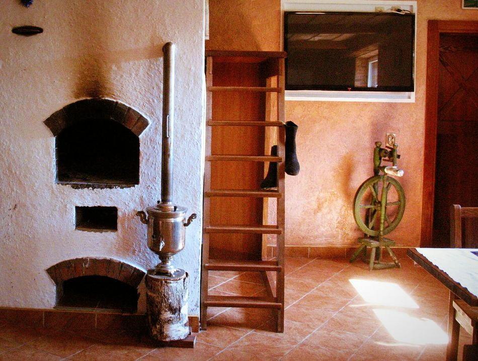 No People Door House Home Interior Built Structure Indoors  Architecture Domestic Room Close-up Day Russian Oven Russian Style Vintage
