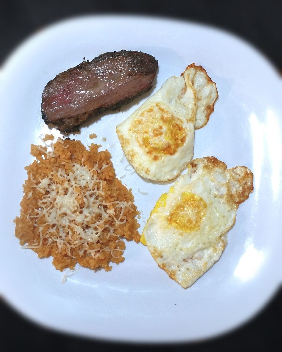 Simple meals and still delicious! !! Ready-to-eat Breakfast Freshness Plate Food Indoors  Egg Yolk Sunny Side Up Close-up Photography Passion Fitbody EyeEmBestPics Beautiful Photographer Adult Yummy Fancy Dinner Water Savory Food Hydrate  Cleaneating Girlswhocook Fancy Cheflife