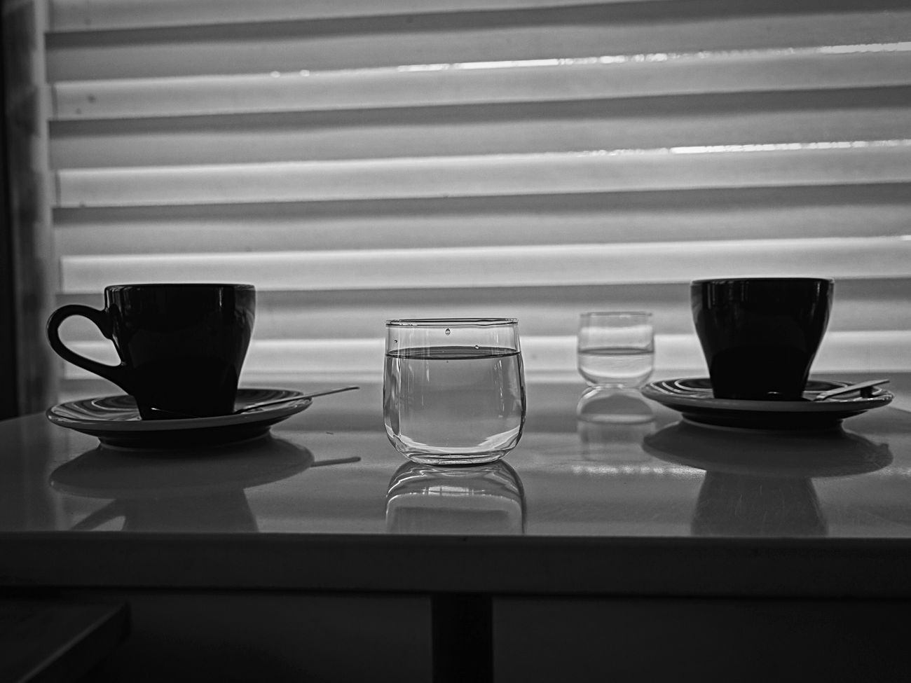 couple cups Coffee Cup Table Cafe Sonyrx100iv Richbw