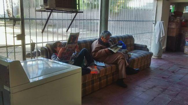 Abuelo&nieta Newspaper Elperiodico