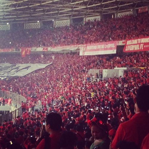l Liverpooltourasiajkt  You'll never walk alone