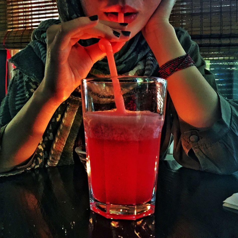 Drink Real People Drinking Straw One Person Food And Drink Lifestyles Cocktail Refreshment Drinking Glass Leisure Activity Drinking Alcohol Human Body Part Close-up Freshness Indoors  Human Hand Day People Adult