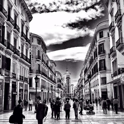 blackandwhite at calle Larios by Víctor NdA