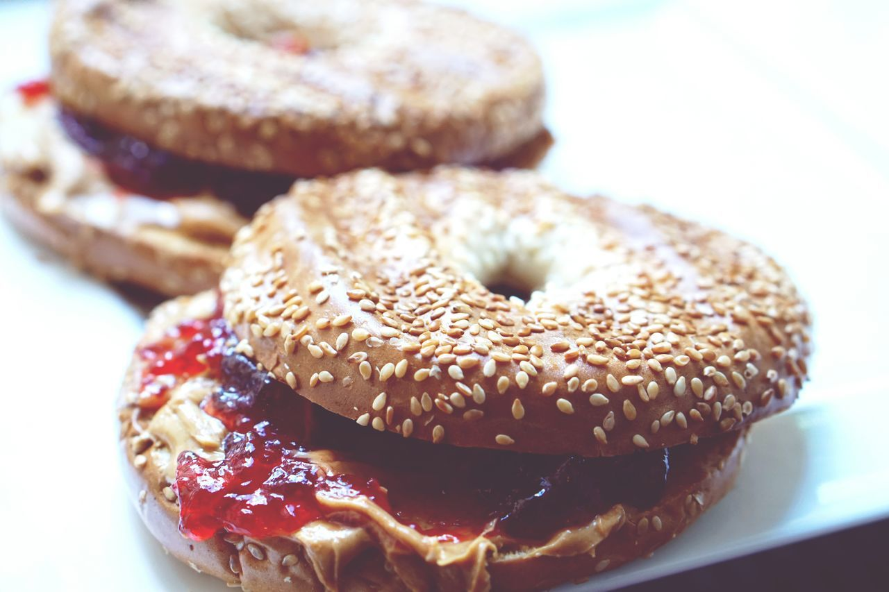 freshly toasted bagels with peanut butter and jelly - Peanutbutter Peanutbutterandjelly  Peanut Butter PB&J Bagels Bagel Soulfood Taking Photos Check This Out Hanging Out My Favorite Breakfast Moment