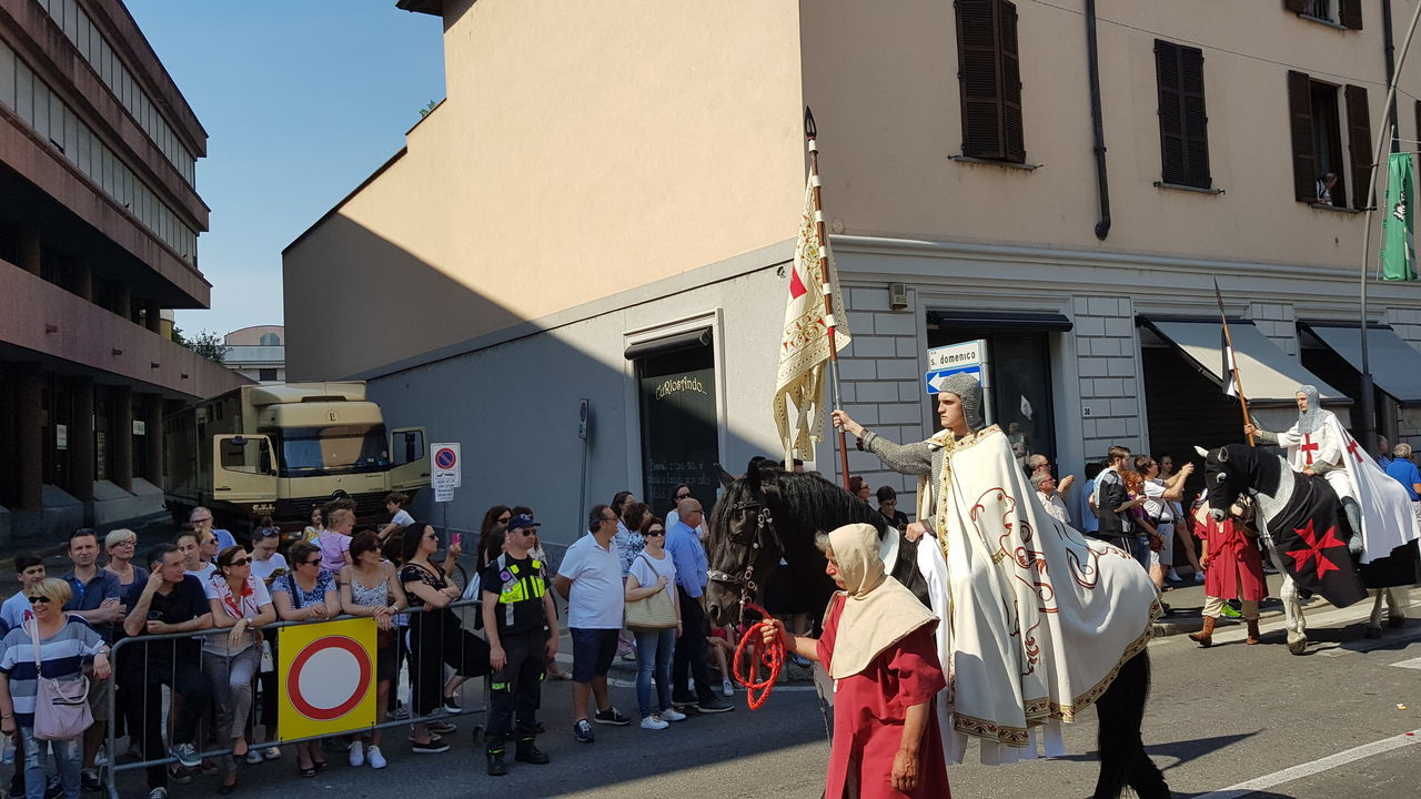 Hystorical Remembrance Hystorical Centre Medieval Festival MedievalTown Medieval Days Medieval City Portrait Adult Horse People Legnano Italy🇮🇹 Palio Di Legnano