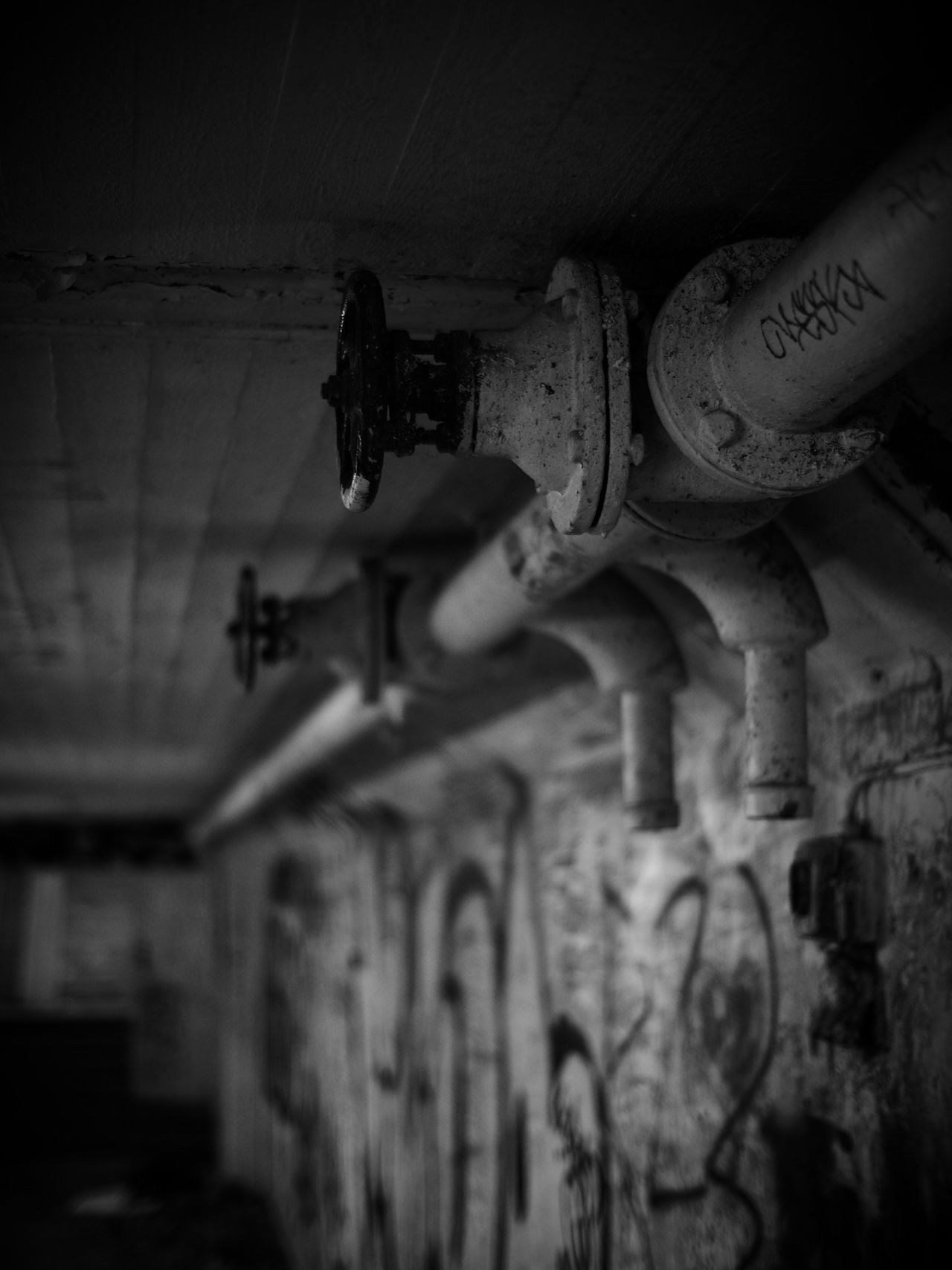 Mystic pipes... Blackandwhite Black And White Black And White Photography Black & White Blancoynegro Blanco Y Negro Narrow Depth Of Field Narrow Space Underground Shallow Depth Of Field Selective Focus Undergroundphotography Undergroundpassage Underground Passage Underground Tunnel Monochrome Monochromatic