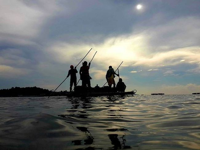 Adventure Sea Raft Adventure Nature Sunset Fishing Beautiful Natgeopeople Pengudangvillage Bintanisland Indonesiaindah