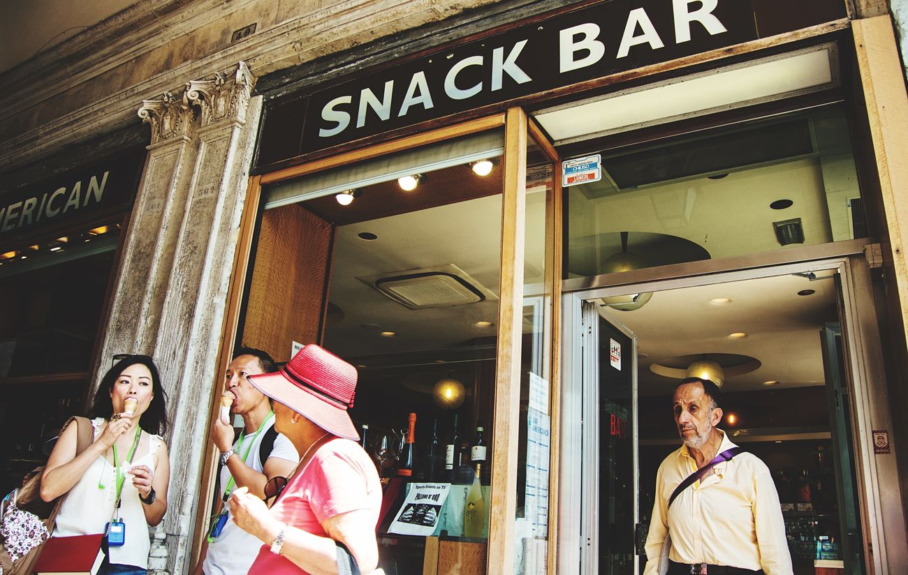Snack Bar Scenery Shots People Watching Wearing Hat Streelife Venice, Italy Melancholic Cityscapes Ice Cream Close-up Random People Travel Photography Beauty In Ordinary Things