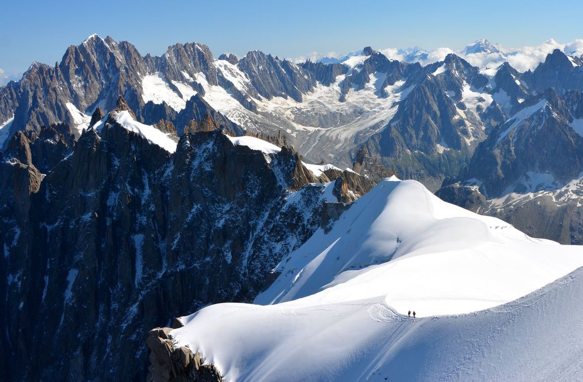 Aguilledumidi Alpinism Climb Cold Cold Temperature Extremesport Montblanc Mountain Mountain Range Outdoor Photooftheday Physical Geography Snow Snow Covered Snowcapped Mountain Winter Wintertime Connected By Travel Lost In The Landscape