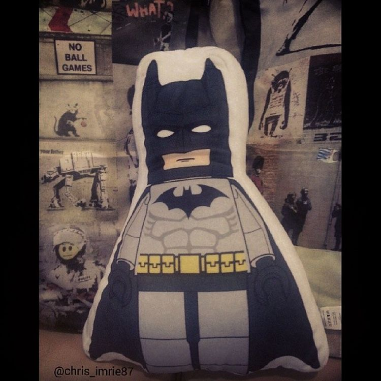 My Lego Batman cushion :) behind him is some Banksy cushions Batman Batfamily FamilyOfBats BatGeek BatFan LEGO LegoBatman Cushion Banksy CapedCrusader Arkham Gothamcity TheLegoMovie FlatLife
