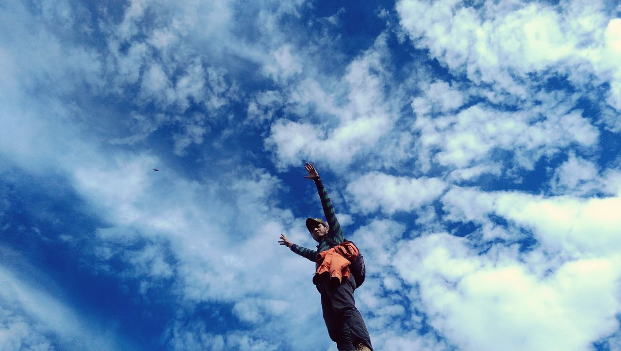 People And Places Sky Flying Blue Cloud - Sky Day Ssettmazariegos SinEfecto