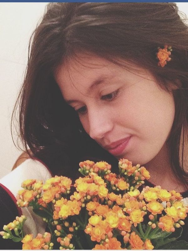 Hello World That's Me Flowers In My Hair