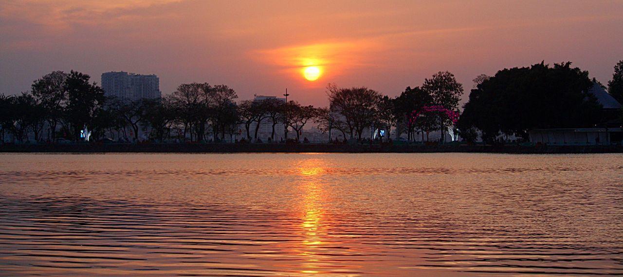 Truc Bach Lake Hanoi, Vietnam Ba Dinh, Vietnam Sunset, Truc Bach, Vietnam Amateur Photographer Truc Bach Amatuer Photographer I Love Vietnam Just Learning Colourful