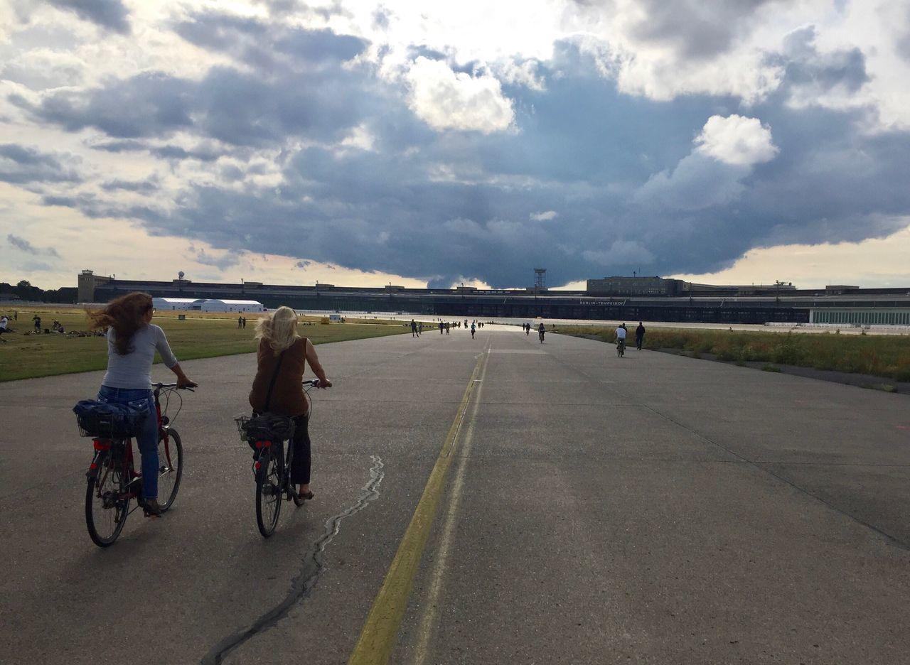 Tempelhofer Feld Cycling Outdoors Neukölln Capture Berlin