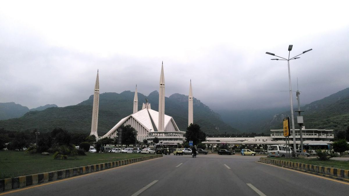 EyeEm Selects IslamabadTheBeautiful Islamabad Islamabad😍 Pakistan FaisalMasjid Rainy Day Clouds & Sky Cloudy Day Cloud And Sky Mosque Architecture