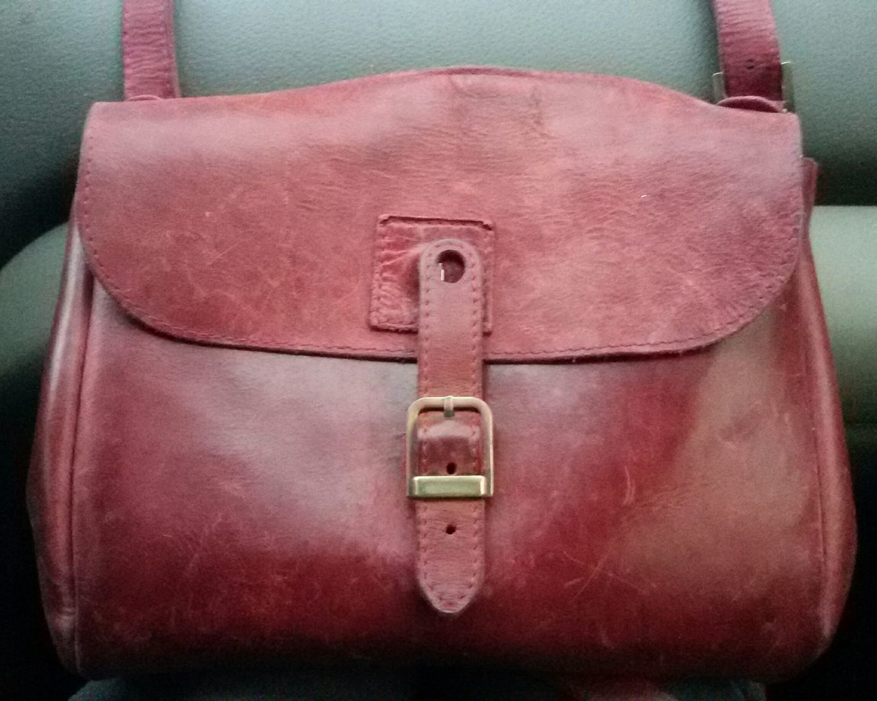 Red Close-up No People Lock Day Bag Old Bags Leather Bag Handmade Bag Accesories Woman Accessories Woman Bag Crossbodybag Violet Purple