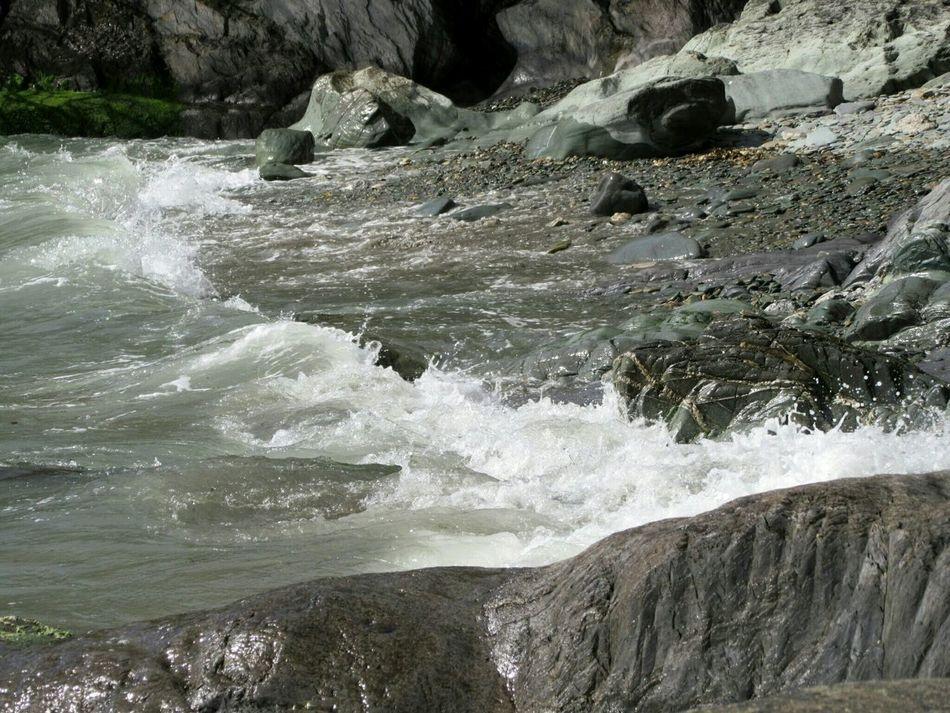 Breaking wave Breaking Waves Stoneybeach Smooth Rocks Pebble Beach Glandore, Ireland West Cork Wildatlanticway Ireland