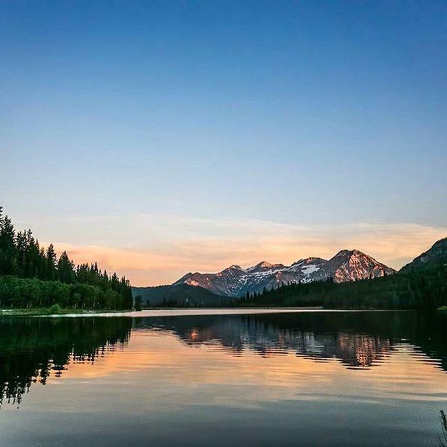 More sunsets, More mountains, and More lakes? sure thing. Timpstagram Timpanogos Silverlakeflats Utah Sunset_madness Sunsets Americanforkcanyon Visitutahvalley Visitutah Dreamsofspring