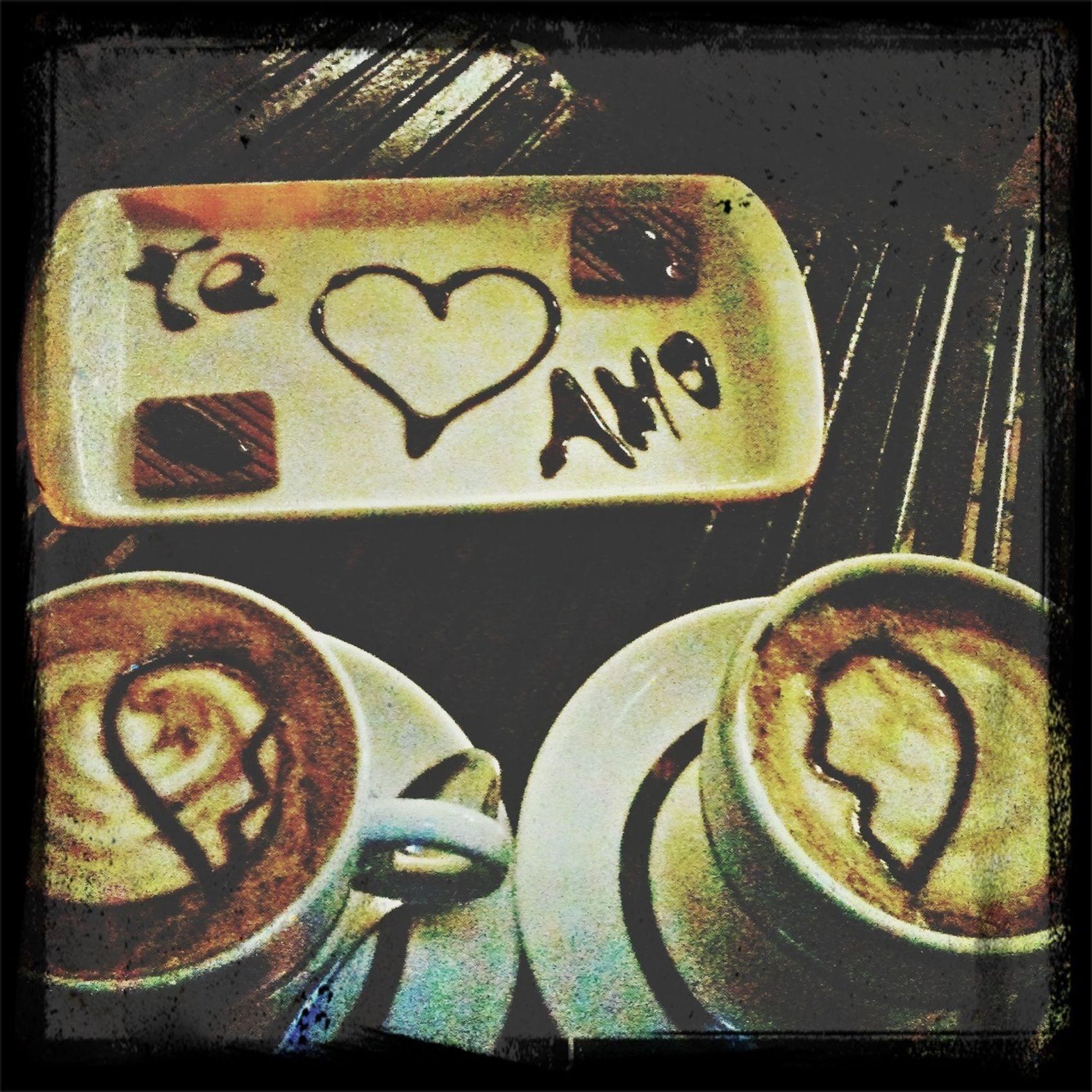 Café perfeito com a companhia perfeita. E com direito a declaração de amor só porque ela merece. =)