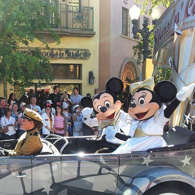 Mickey und Mini in Disneyland Paris - immer eine Reise wert😄 Paris Eurodisney Eurodisneyland Mickey Mickeymouse Minimouse