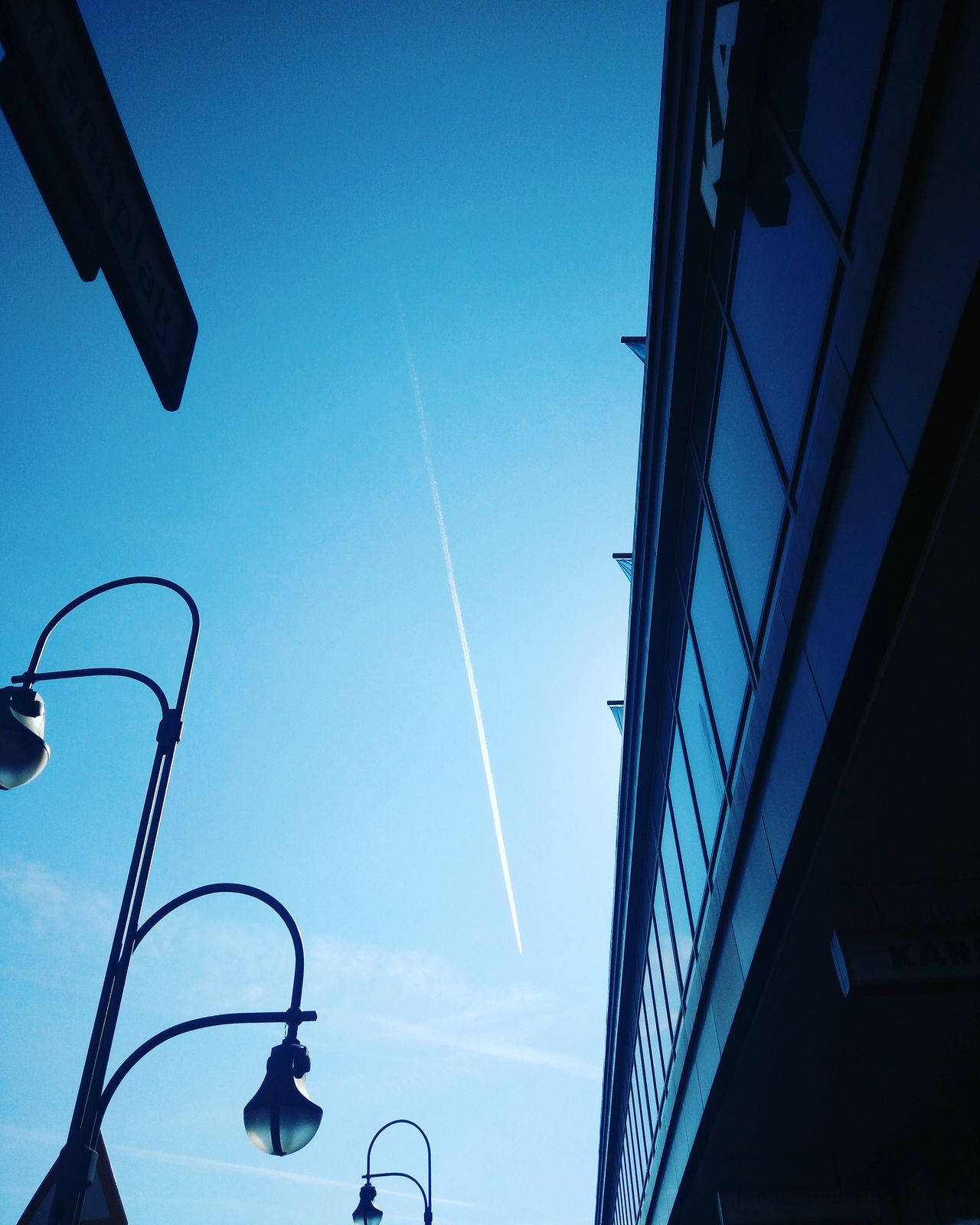 Outdoors Chemtrails Berlin Chemtrail Sky No People Plane Hermannplatz