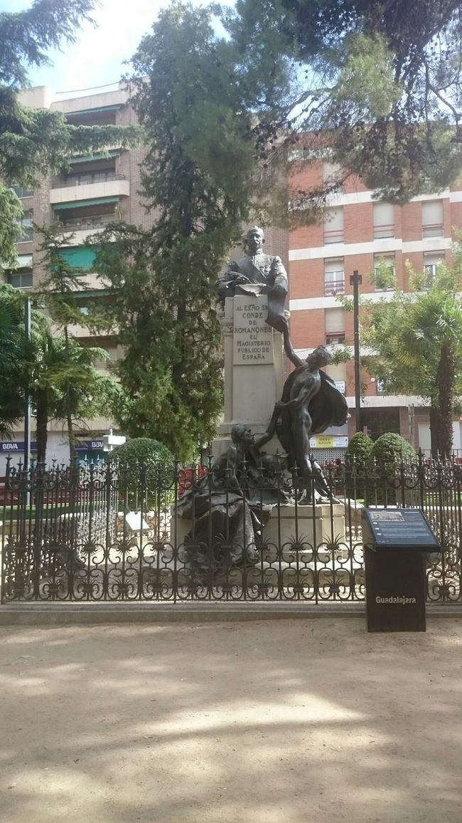 Estatua del Conde Romanones Esculpture Urban Esculpture The Traveler - 2015 EyeEm Awards