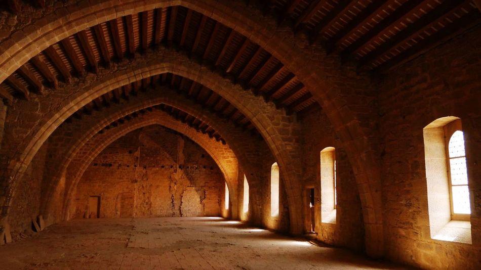 Lagrasse Abbaye Shadows & Lights