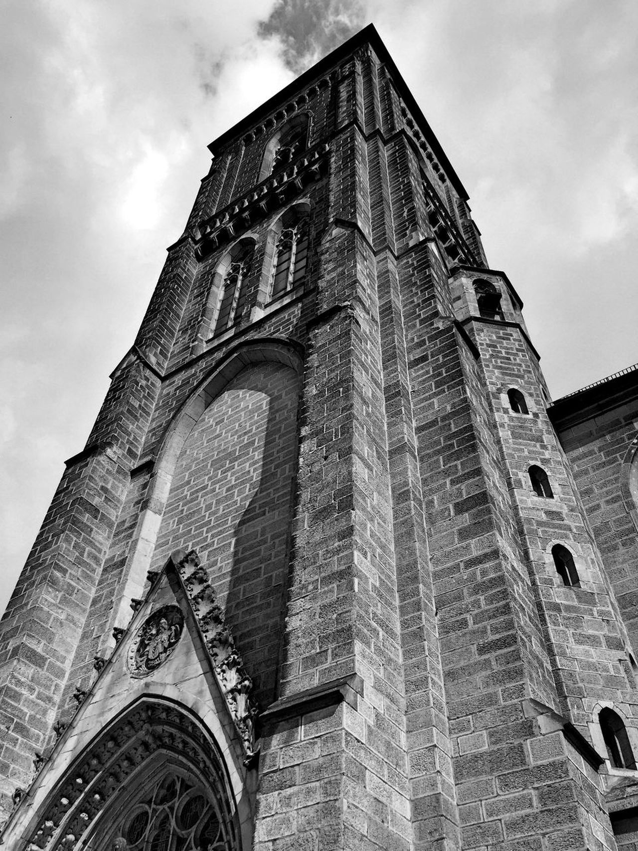 Low Angle View Architecture Built Structure Building Exterior History Day Schwarzweiß Church Kirche Gotisch Gotic Blackandwhite Photography Bnw_collection Blackandwhite Sky Himmel Architecture_bw The Architect - 2017 EyeEm Awards