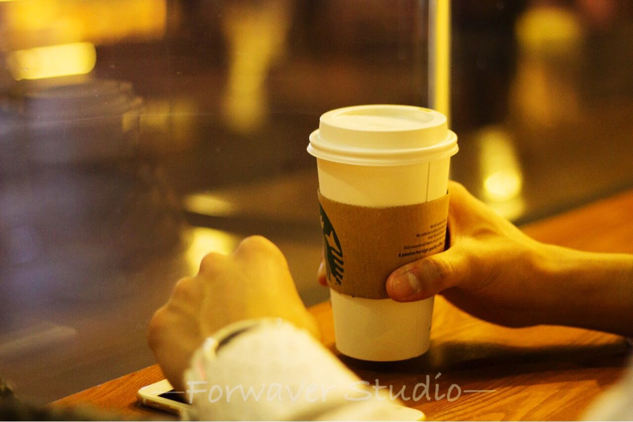 human hand, drink, food and drink, refreshment, one person, real people, human body part, coffee - drink, cafe, holding, indoors, focus on foreground, frothy drink, close-up, food, men, drinking glass, occupation, freshness, day, people