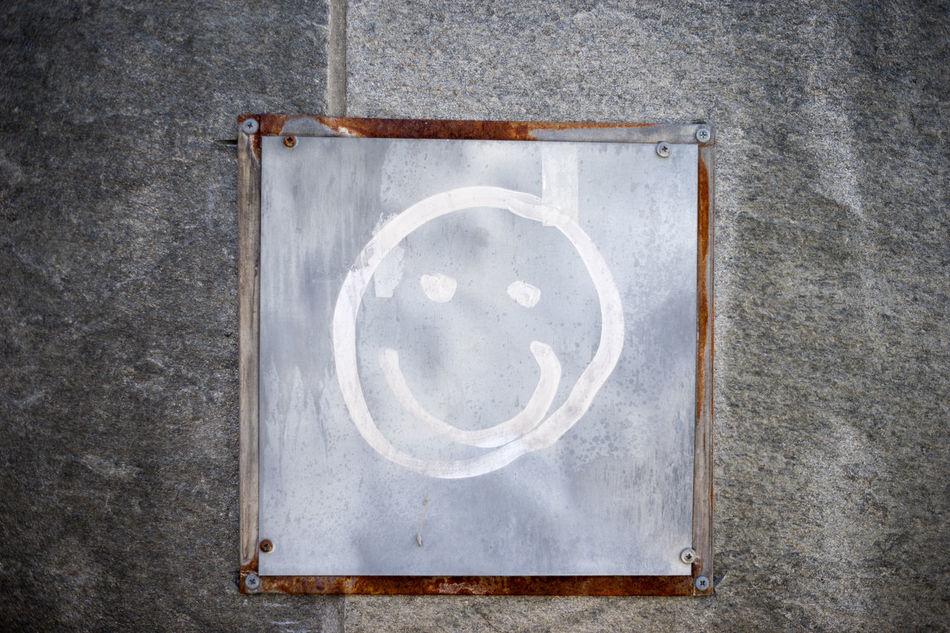 Smile! 50mm Norway Porsgrunn Silhouette Smile Smiley Smiley Face Square Tagging