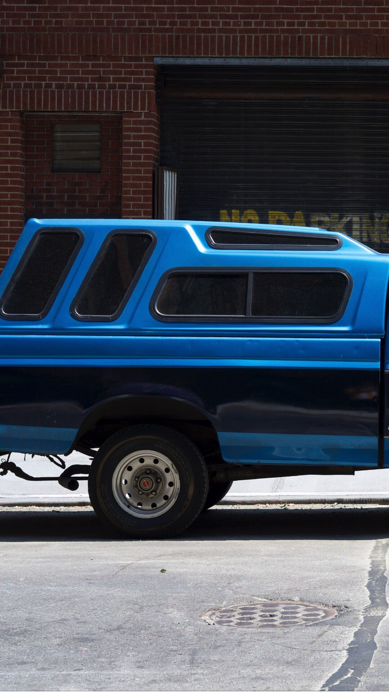 Transportation Mode Of Transport Land Vehicle Car Stationary Blue Outdoors Built Structure Building Exterior Day Architecture No People City Street Photography New York Vintage Car Minimalism Minimalistic Aesthetic Aesthetics Colors United States Streetphotography City Street