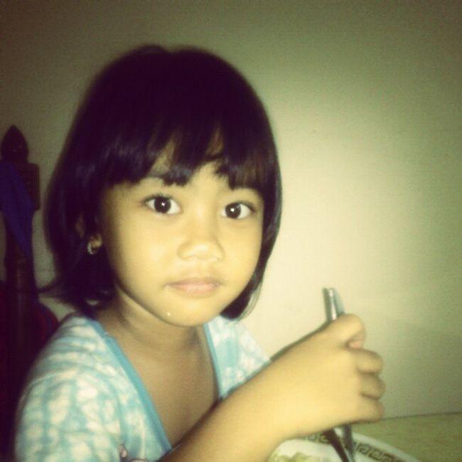 at breakfast Mysupergirl Jauzah Amarantha Theone MYeverything my Superdaughter TheLight of my life, my Treasure . Anakku Anakperempuanku Sayang Cahaya ku... Kamu Girl Iloveyou Lzybstrd Photostory INDONESIA