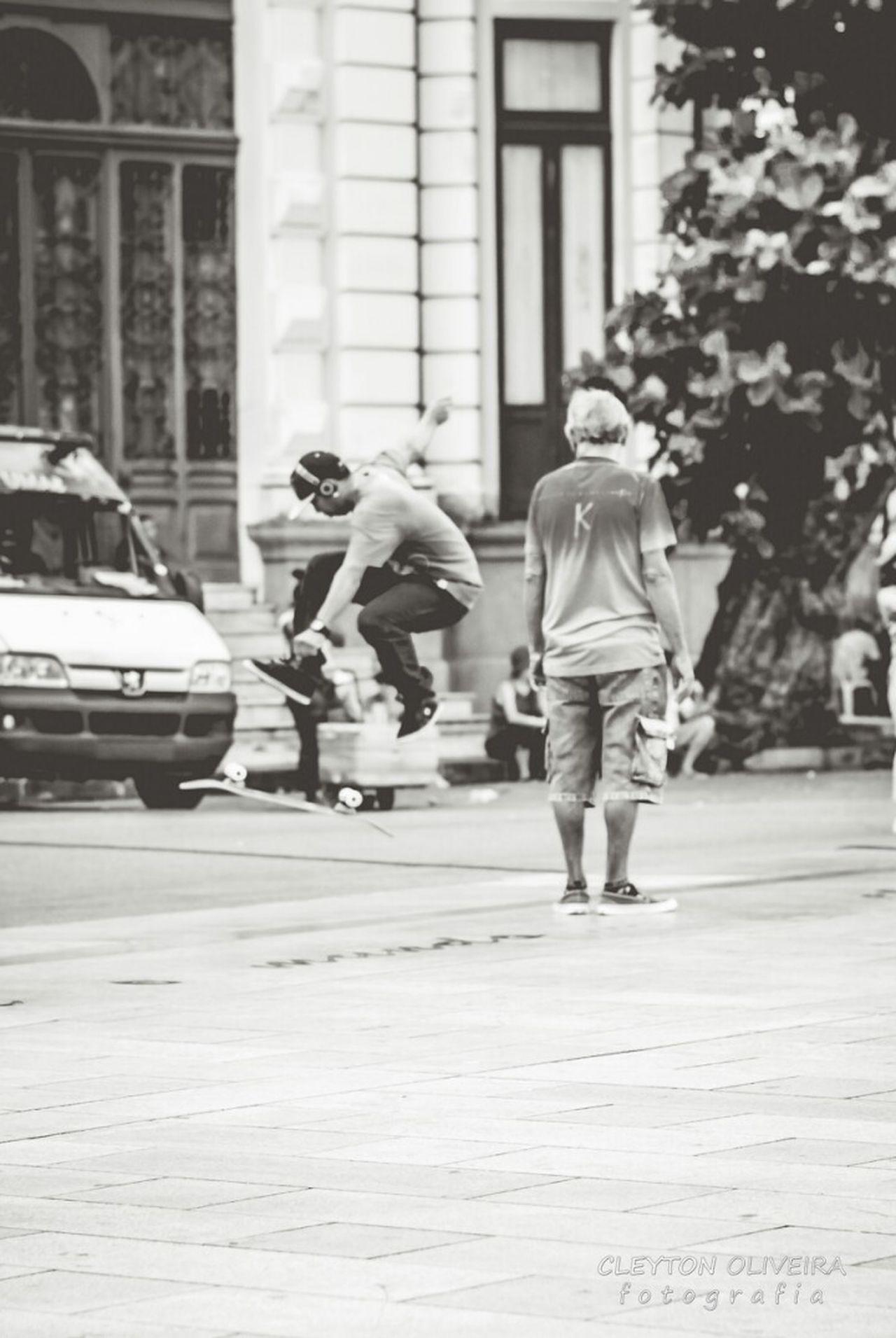 Fotografia De Rua Blackandwhite Photography Urbanphotography Preto & Branco Black And White Photography Pretoebranco Black&white Blackandwhite Streetphotography Black & White RecifeAntigo Recife, BRASIL City Street Streetphoto_bw