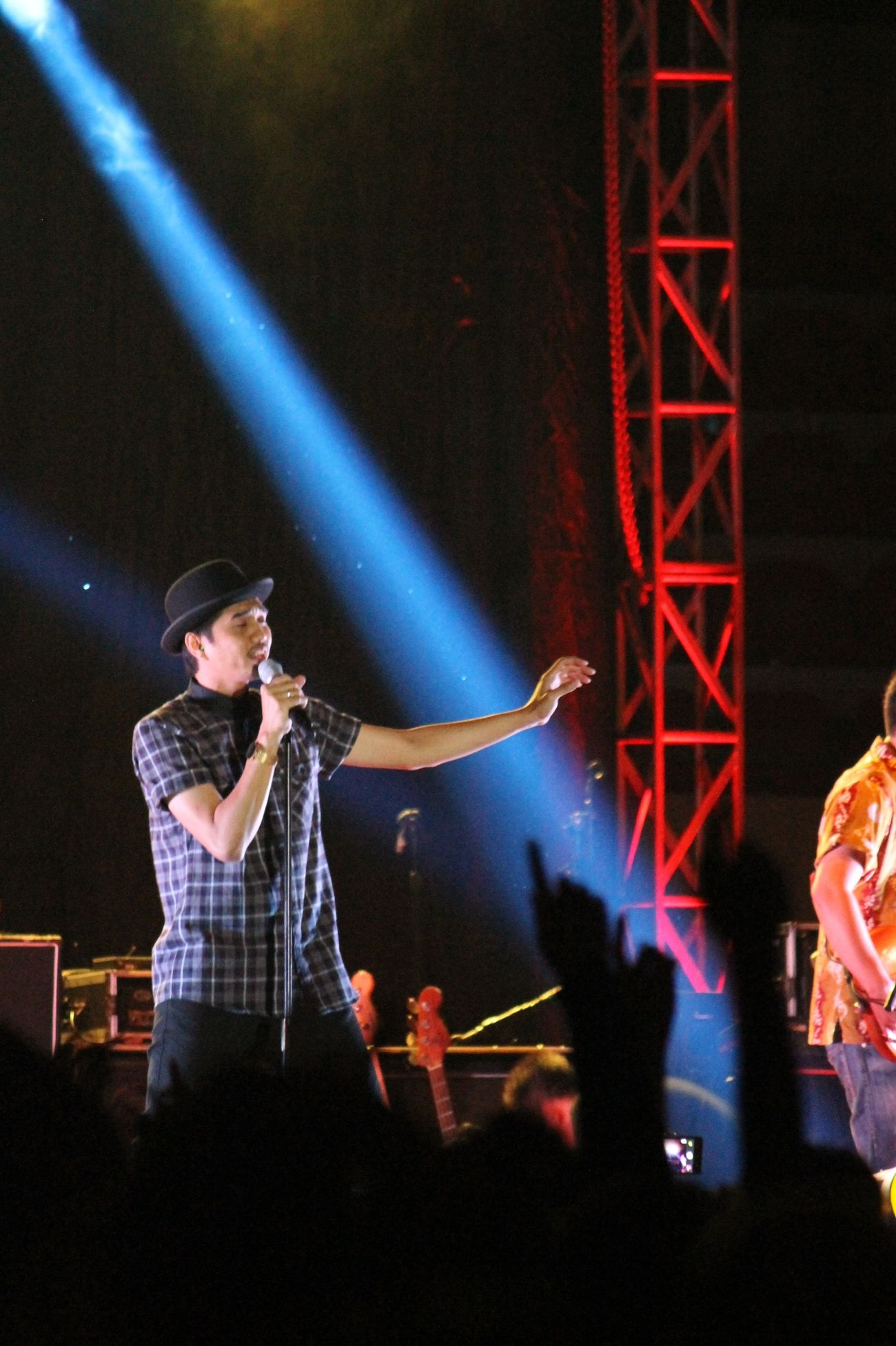 Sheila on 7 @farmasicup2014 GOR UNY 13 Desember 2013 Latepost Monochrome Farmasi Cup Yogyakarta, Indonesia Enjoying A Concert