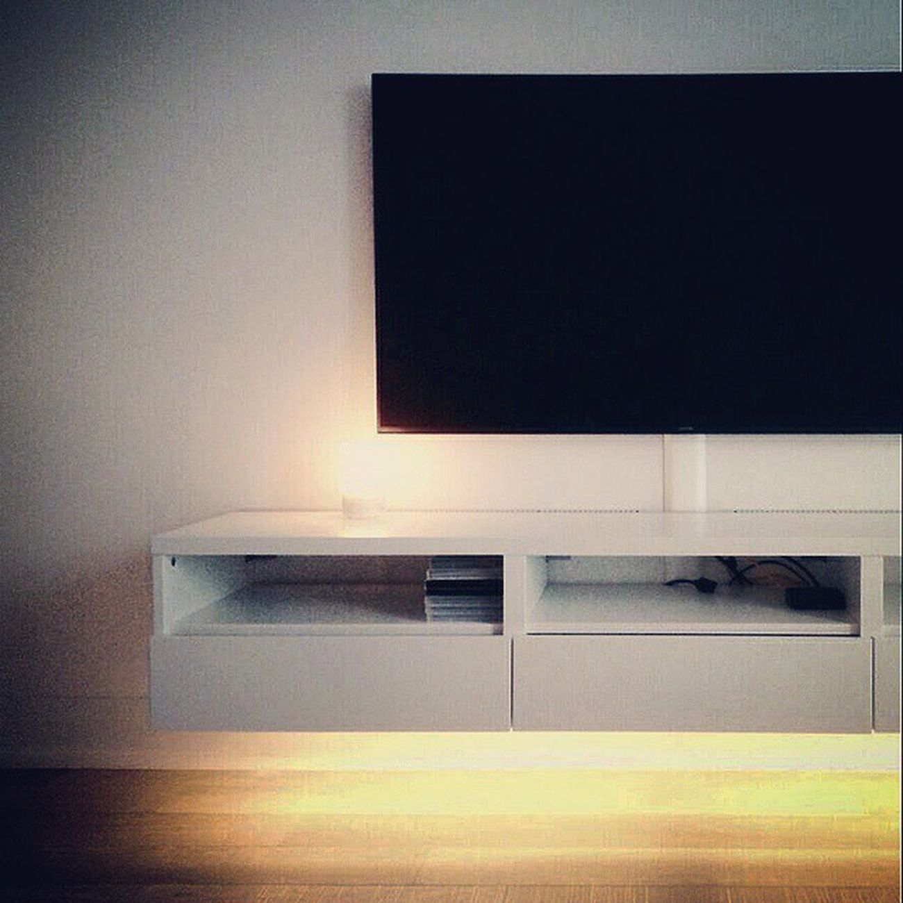 Ikeahack 2 Ambientlighting Tvstand