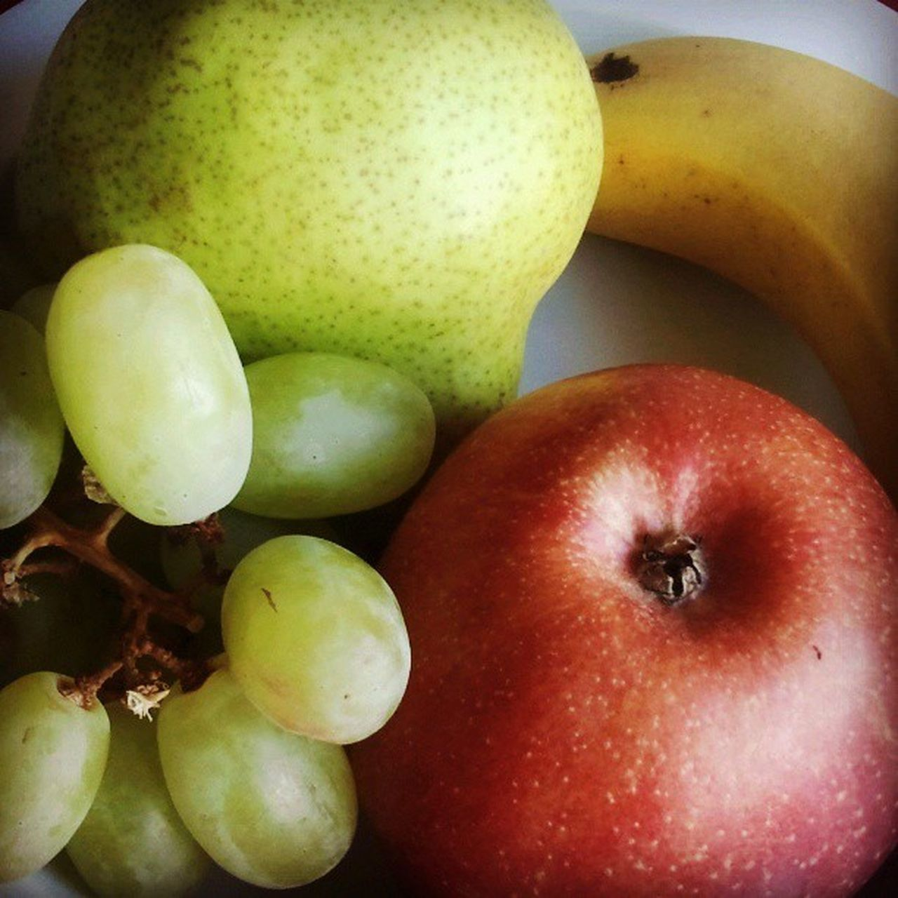 fruit, healthy eating, apple - fruit, food and drink, food, freshness, apple, close-up, pear, ripe, peach, no people, red, indoors, granny smith apple, pomegranate, mango, day