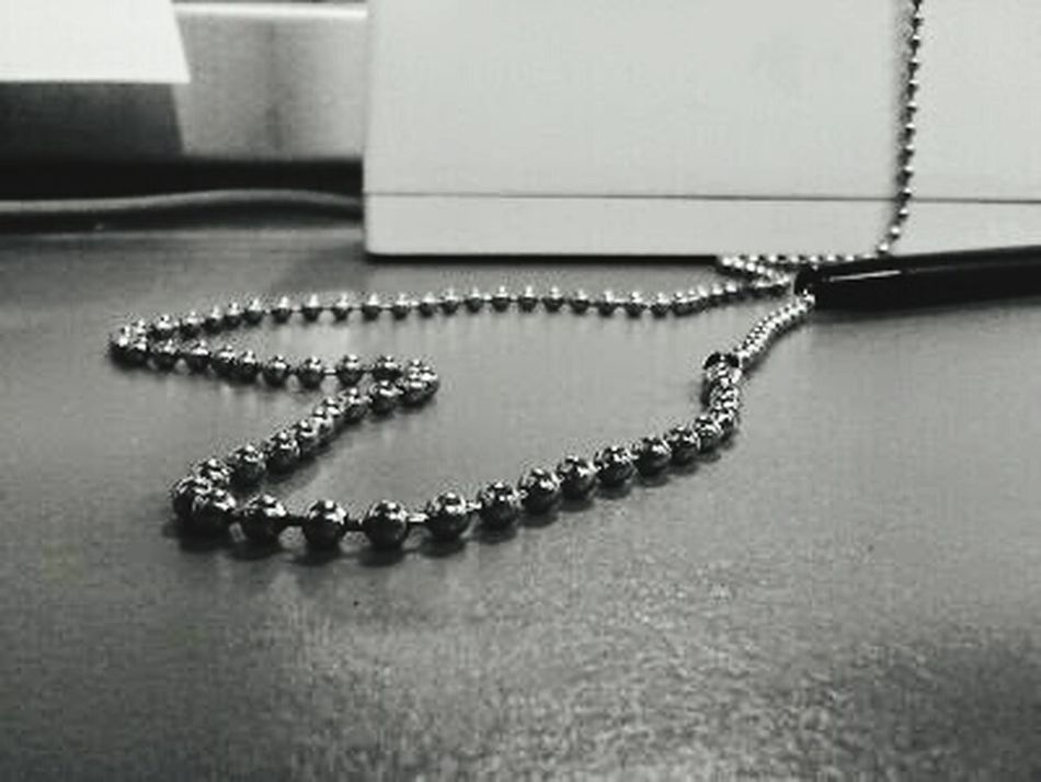 Love ♥ Silver - Metal Chained Old School Open Heart Close-up