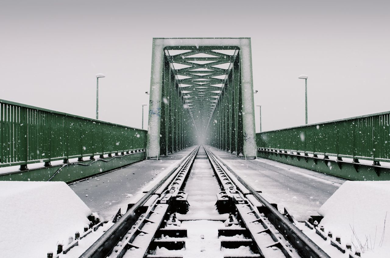 Man Made Object Construction Industry Foggy Day Budapest Perspective Snow ❄ Green Industrial City Life Public Transportation Railway Rail Transportation Bridge - Man Made Structure Bridge River Architecture Sky Outdoors Tranquil Scene Winter Cold Temperature Beauty In Nature Nature Snow Adapted To The City EyeEmNewHere