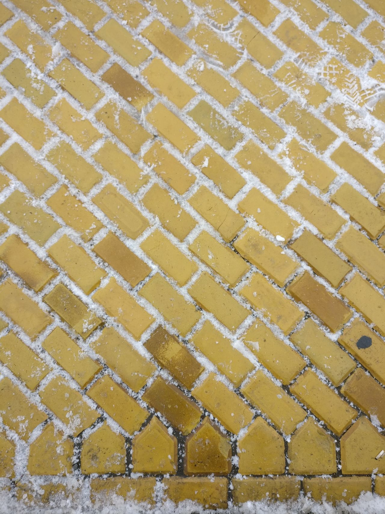 Yellow brick road. Backgrounds Full Frame Pattern High Angle View No People Outdoors Nature Day Close-up Beauty In Nature Freshness Yellow Brick Road Yellow Snow Road Path Travel Destinations Oneplusphotograpgy Travel History Cold Temperature City Capital Cities  Gold Colored Adapted To The City