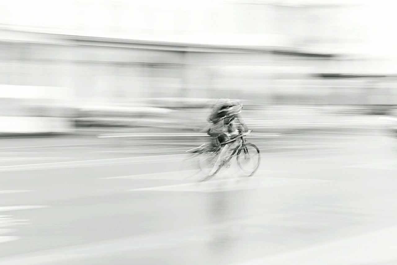 Taking Photos City Rain Water Blackandwhite It's Cold Outside Black & White Luzern Switzerland Nikon Swiss Luzern Nikon D750 Street Route Velo Desfocado Photography In Motion