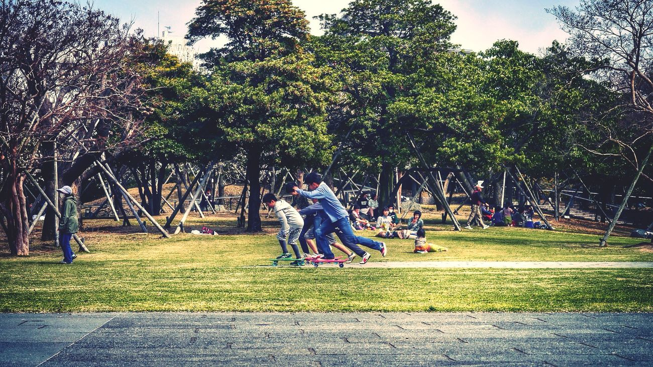 Urban Nature In Kids Playing Skateboarding : New Season Urban 3 Filter Walking Around Land plaza/Nagasaki seaside Park / GX1 LUMIX G VARIO Lens 90mm 16:9 Crop March 30/2015