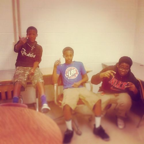 Chilln in sips with my niggas School Chilln