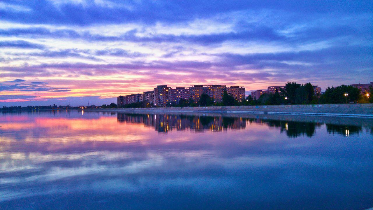 Enjoying The Sun Sunset_collection EyeEm Best Edits Romania Bucharest