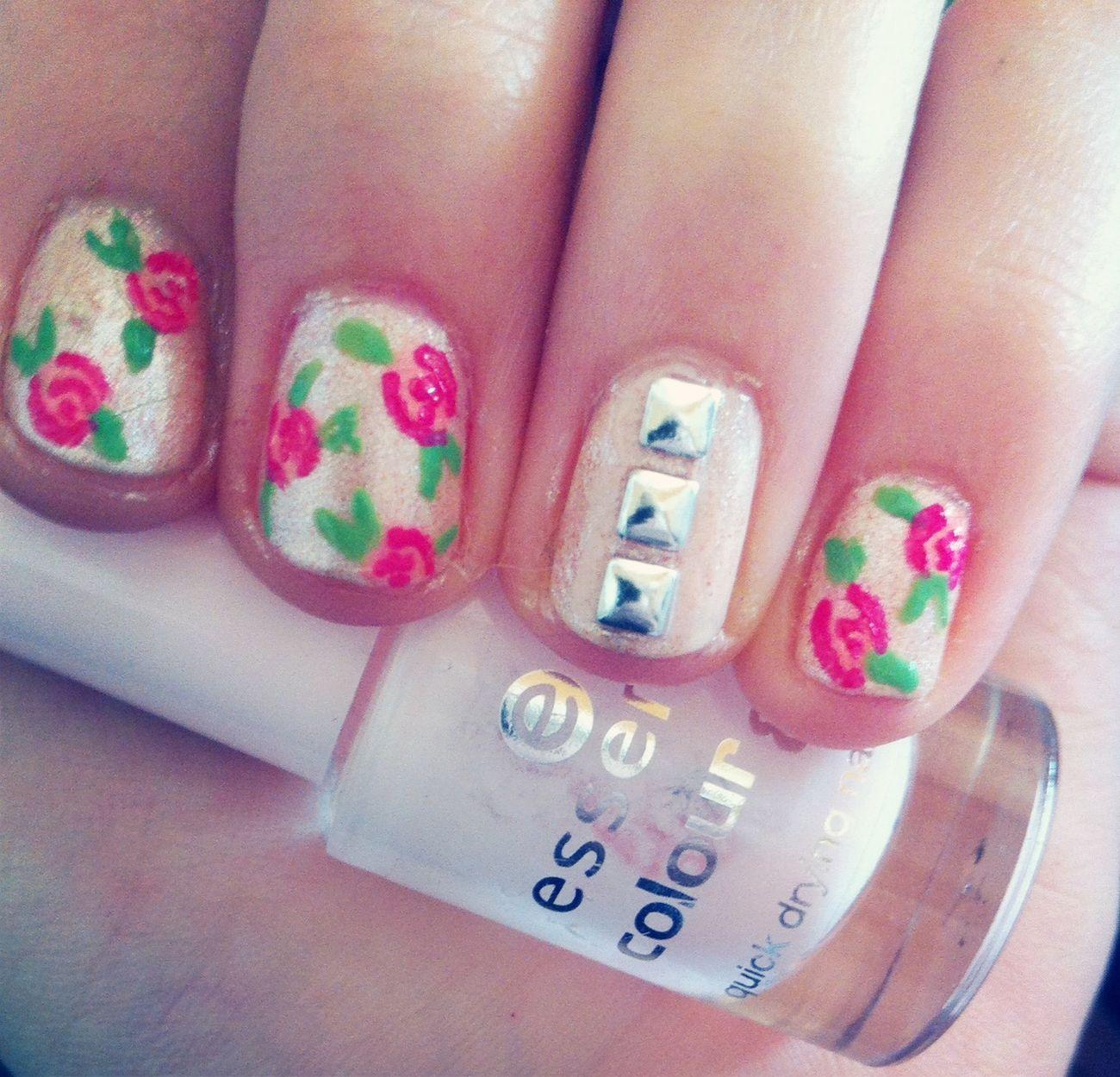 Nail Art Nail Polish Roses ?